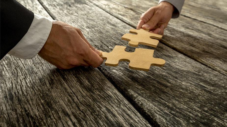 S'associer ou se lancer en solo : une décision que vous devez bien méditer